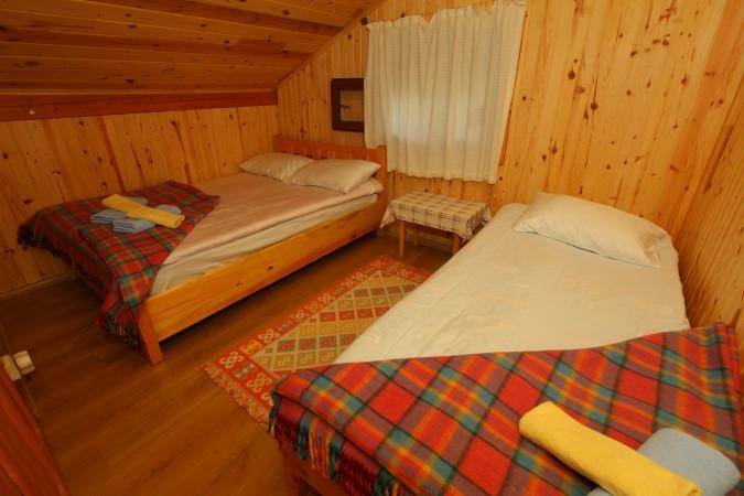 Hazindağ ve Amlakit Manzaralı Çekirdek Aile Odası -5 nolu odamız-